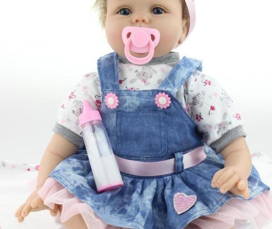Bambole reborn: i bambolotti che sembrano bambini veri ...