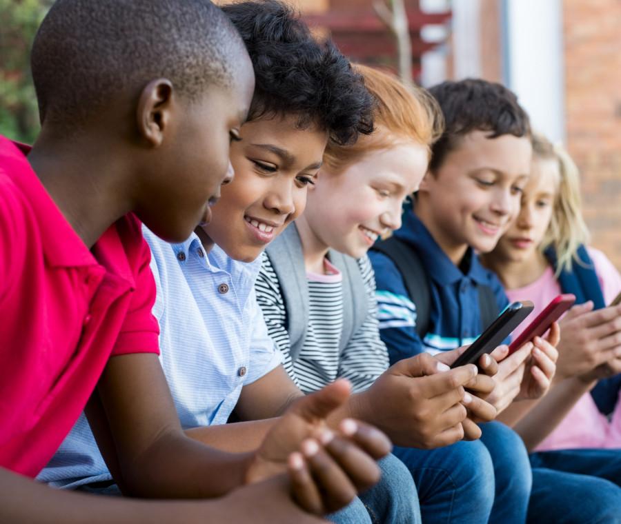 infanzia-e-digitale-10-concetti-da-spiegare-ai-bambini