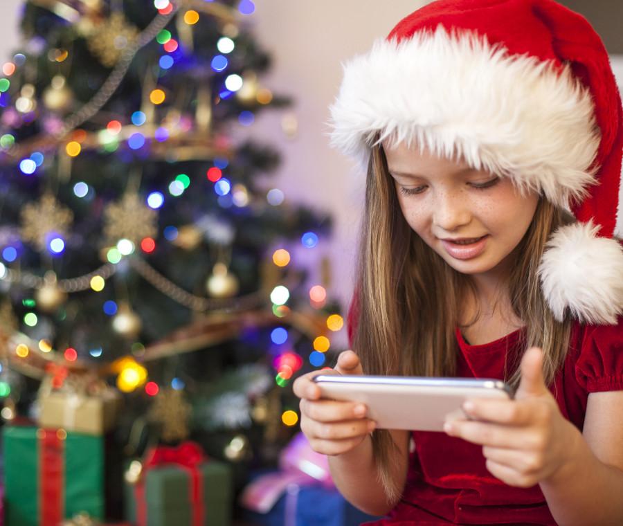 caro-babbo-natale-mi-porti-uno-smartphone-lo-psicologo-genitori-sappiano-dire-no