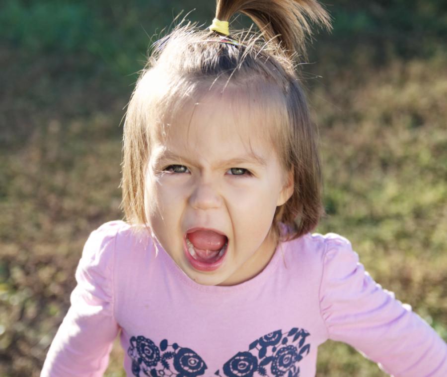 quando-il-bambino-urla-ma-non-riesce-a-parlare