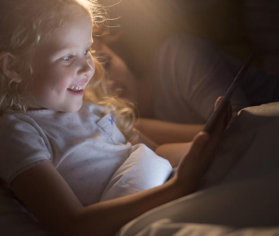 allarme-tablet-per-i-bambini-l-uso-eccessivo-puo-danneggiare-sviluppo