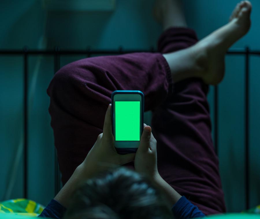 ragazzi-in-rete-senza-controllo-dei-genitori-molti-anche-di-notte