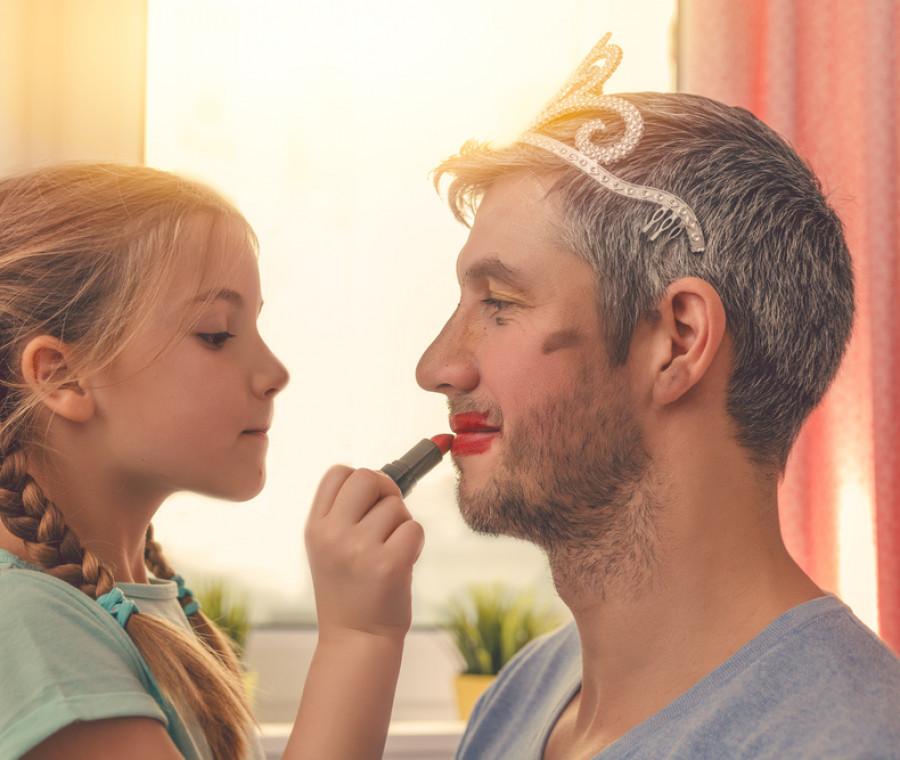 le-maschere-che-indossiamo-per-i-nostri-figli