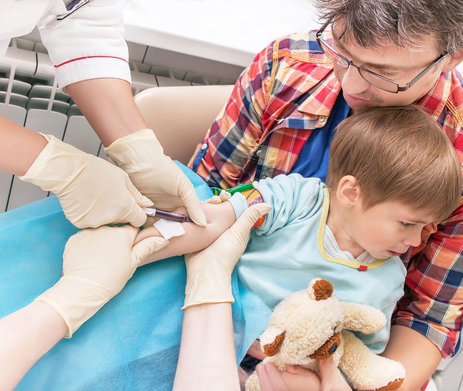 troppe-analisi-del-sangue-inutili-sui-bambini-ecco-una-guida-su-quelle-giuste