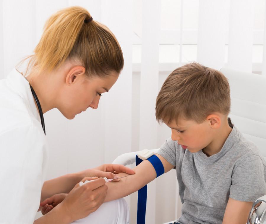 come-aiutare-i-bambini-a-fare-il-prelievo-di-sangue