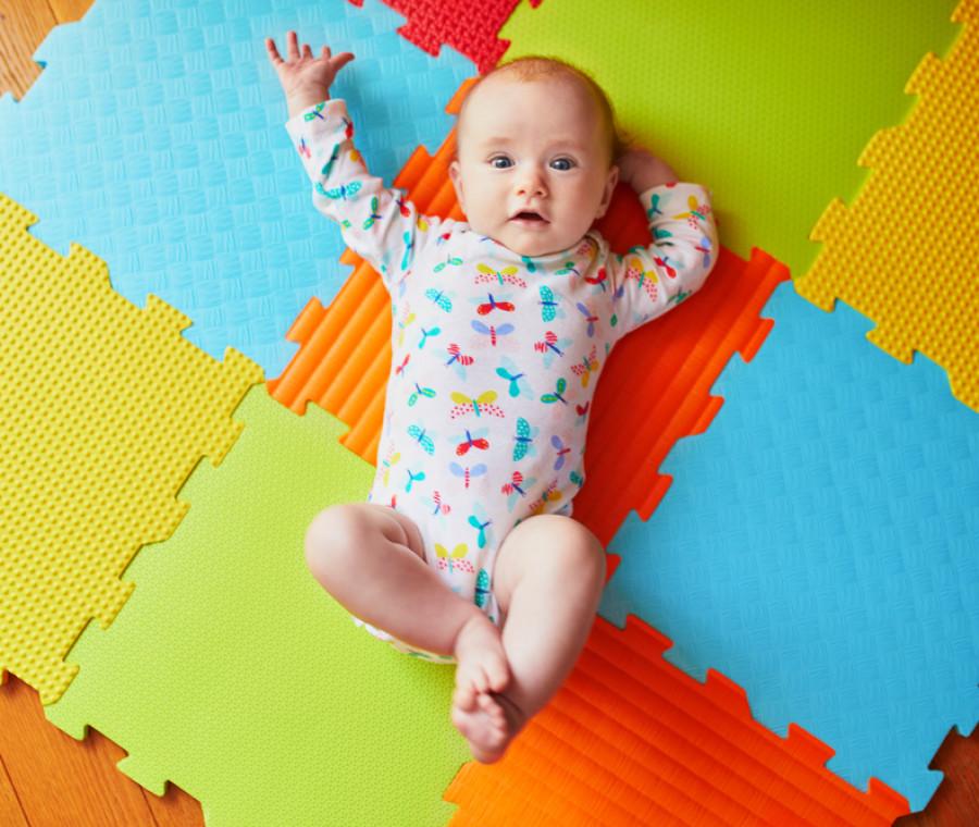 il-neonato-a-3-mesi-crescita-sonno-giochi-e-progressi