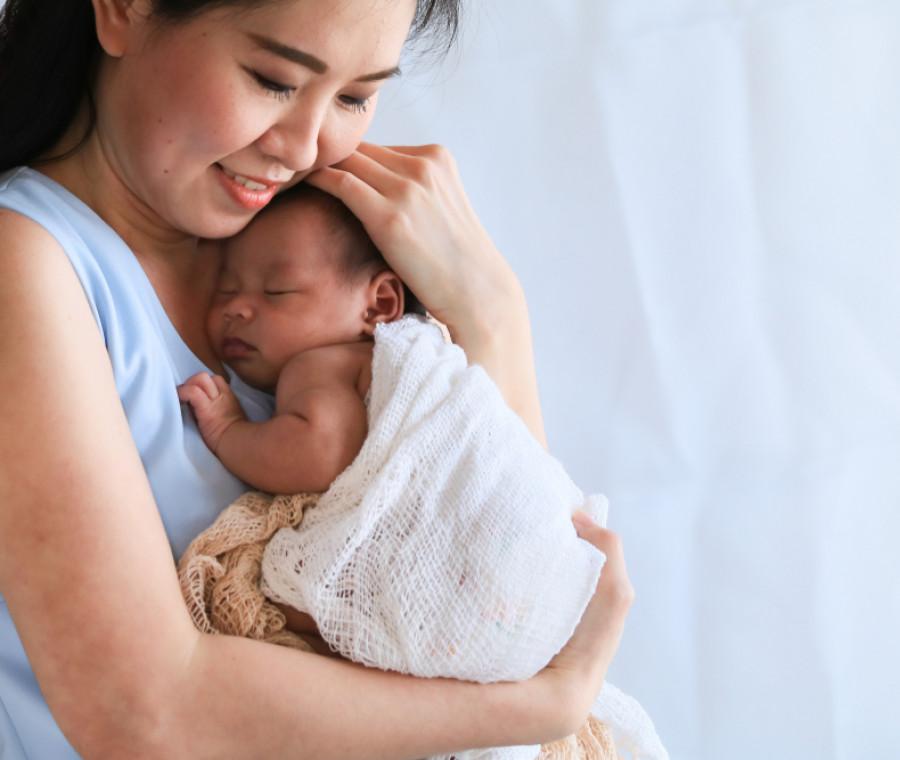le-coccole-dei-volontari-d-amore-per-prendersi-cura-dei-neonati
