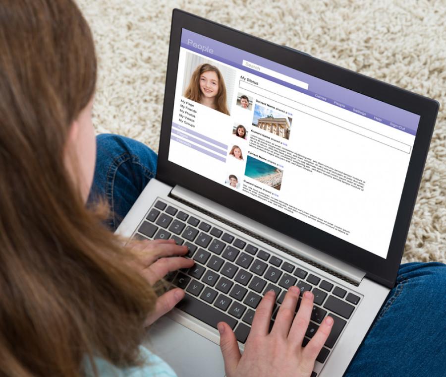 internet-e-minori-a-che-eta-ci-si-puo-iscrivere-ai-social-network