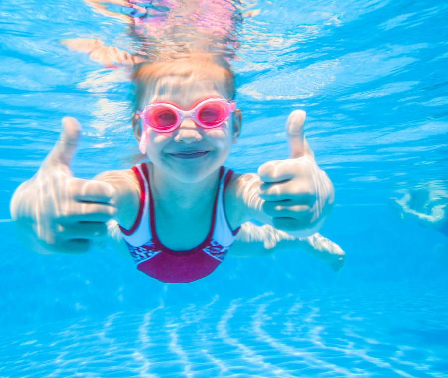 decalogo-per-la-sicurezza-dei-bambini-al-mare-e-in-piscina