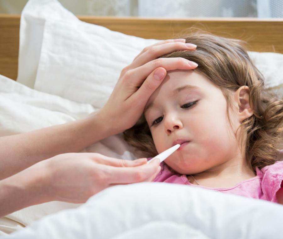 il-pediatra-casi-di-bimbi-con-febbre-da-caldo
