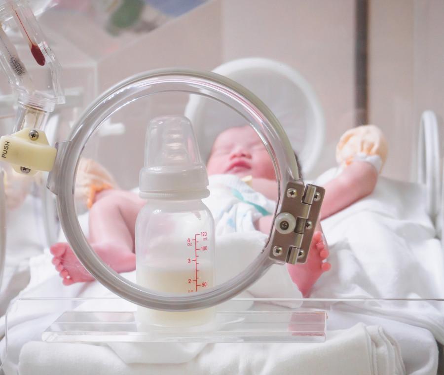 latte-d-asina-per-i-neonati-prematuri-cosa-ne-pensano-i-pediatri