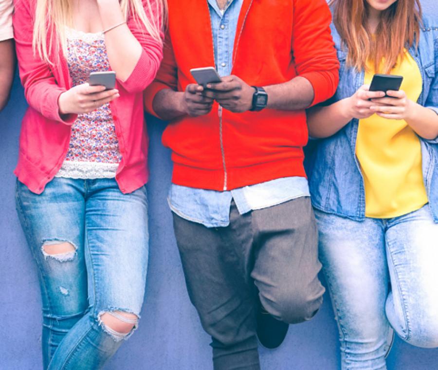 adolescenti-troppo-sui-social-rischiano-la-depresione