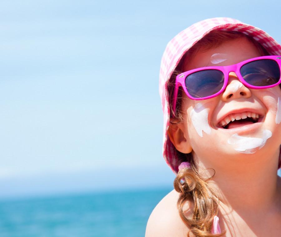 sole-e-vacanze-consigli-per-bimbi-protetti-e-mamme-serene