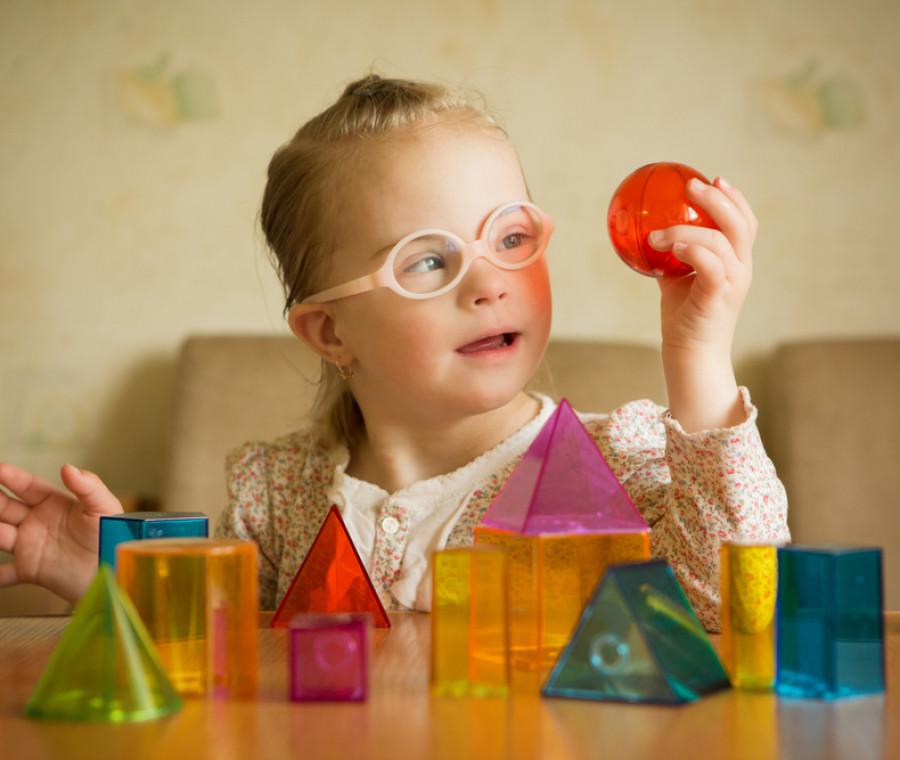 la-sindrome-di-down-nei-bambini-cos-e-e-come-si-affronta