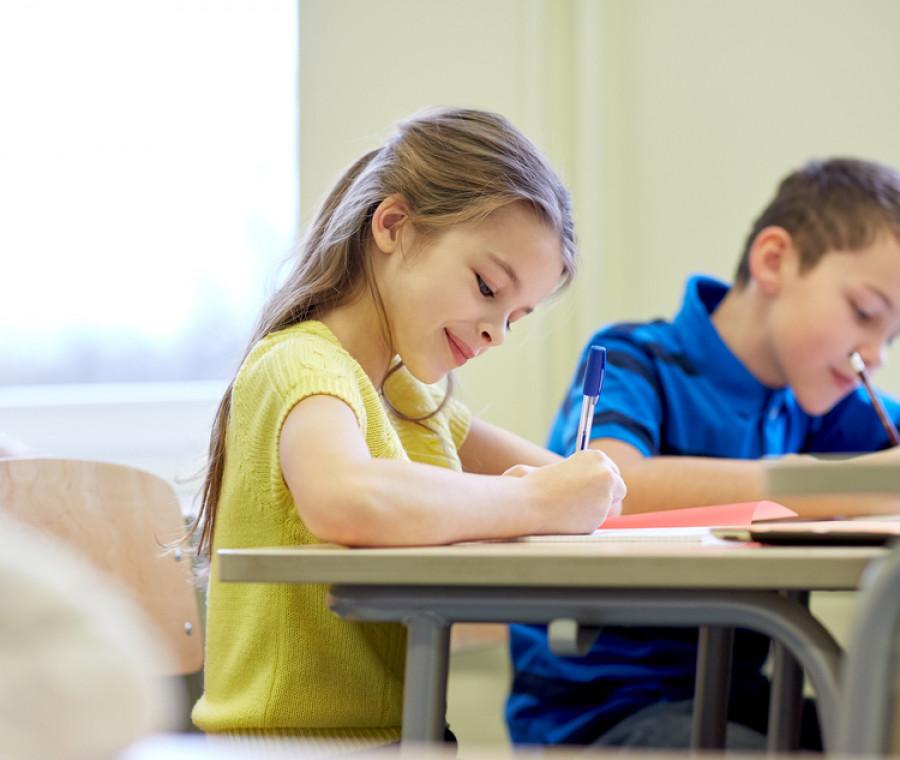 dieci-regole-per-una-corretta-postura-sui-banchi-di-scuola