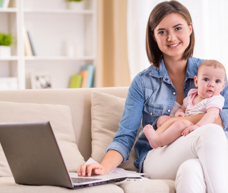 la-mamma-rientra-al-lavoro-a-chi-affidare-il-bebe