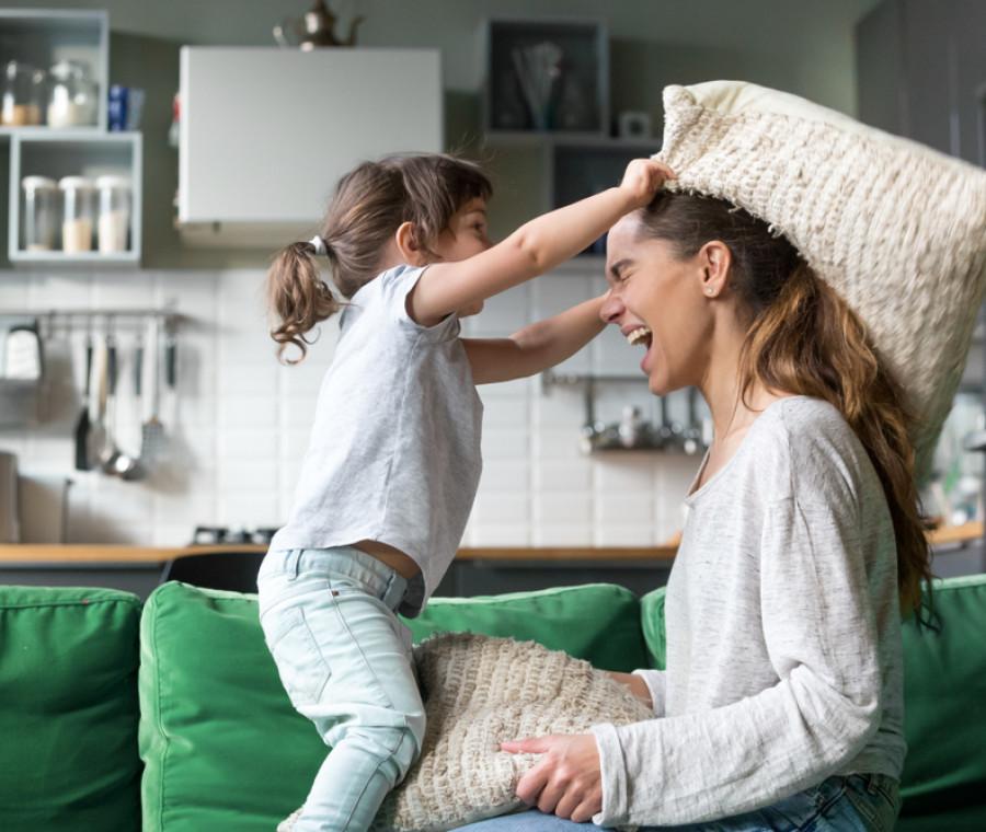 la-presenza-della-baby-sitter-nella-vita-dei-bambini