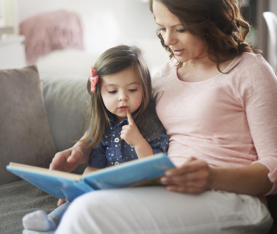 leggere-sempre-lo-steso-libro-ai-bambini-fa-bene