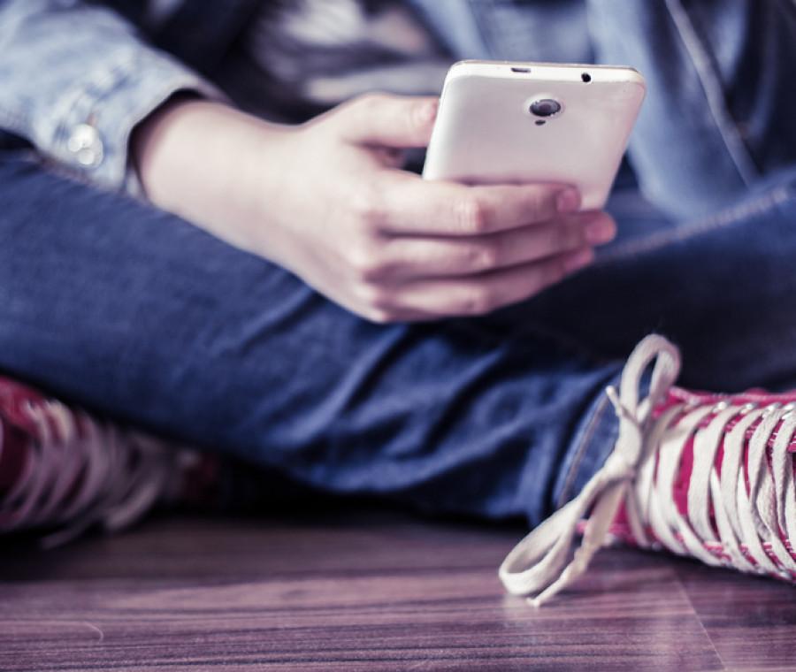 telefonini-come-droga-giovani-nel-panico-se-glieli-tolgono