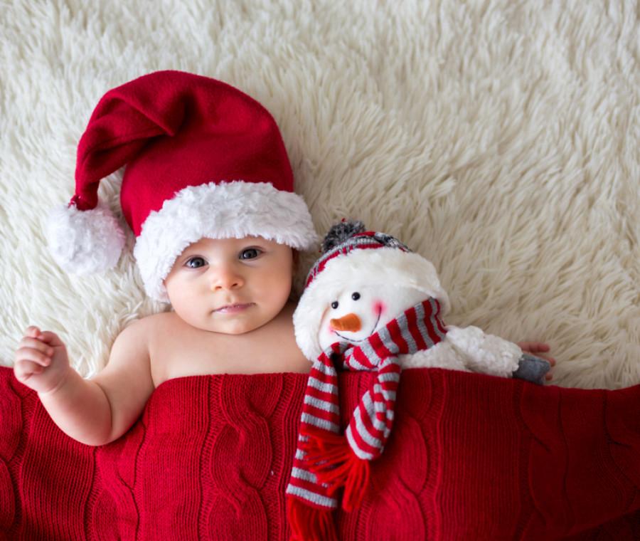 regali-di-natale-per-neonati-giochi-abbigliamento-e-prodotti-per-il-bagnetto