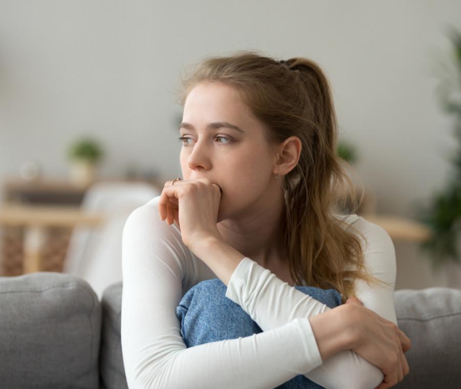 la-solitudine-tra-gli-adolescenti-nonostante-siano-iper-connessi