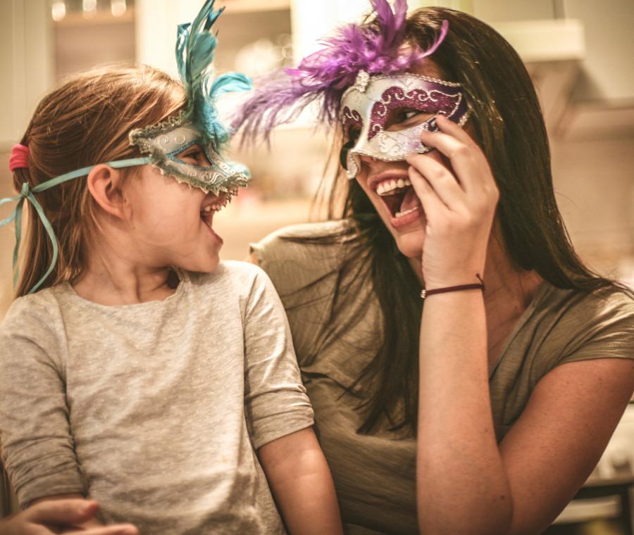 maschere-di-carnevale-tra-tradizione-fascino-e-fai-da-te-alla-scoperta-delle-piu-belle