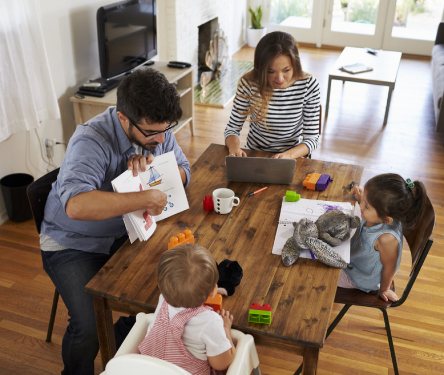 libri-accessori-per-lavoretti-e-giochi-per-vivere-l-isolamento-con-i-bambini