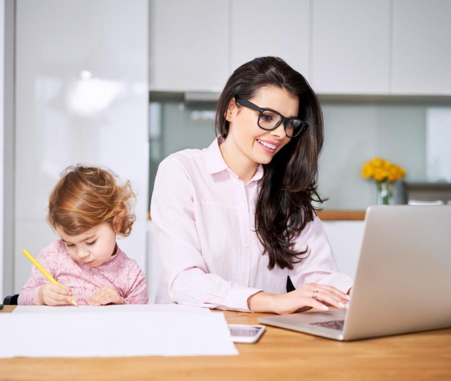 lo-smartworking-di-una-mamma-come-organizzarlo