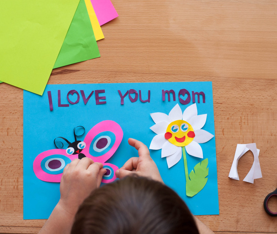 lavoretti-per-la-festa-della-mamma-idee-creative-facili-e-fai-da-te