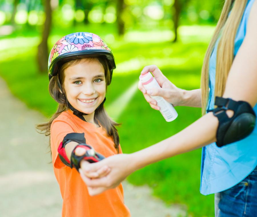 antizanzare-per-bambini-dallo-spray-ai-cerotti-come-scegliere-quello-giusto