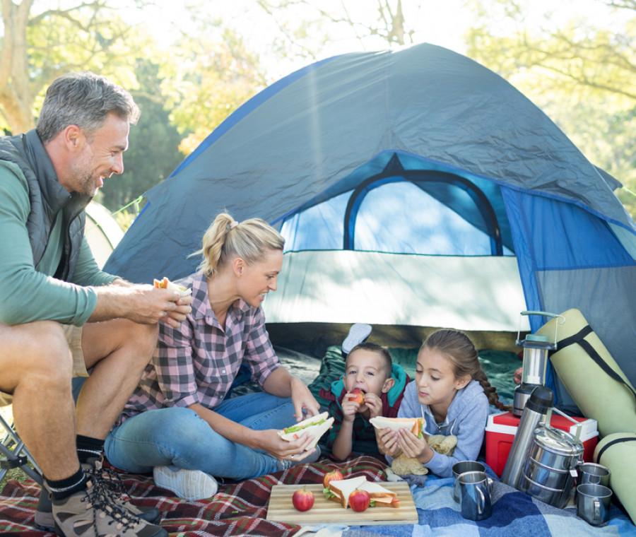 campeggio-in-tenda-con-bambini-cosa-portare-la-lista-delle-cose-utili