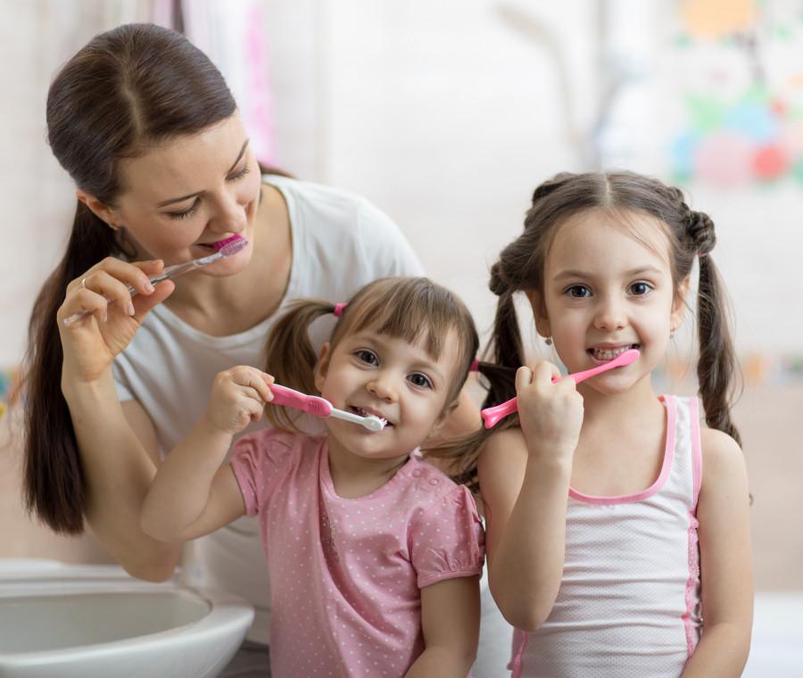 igiene-orale-famiglia