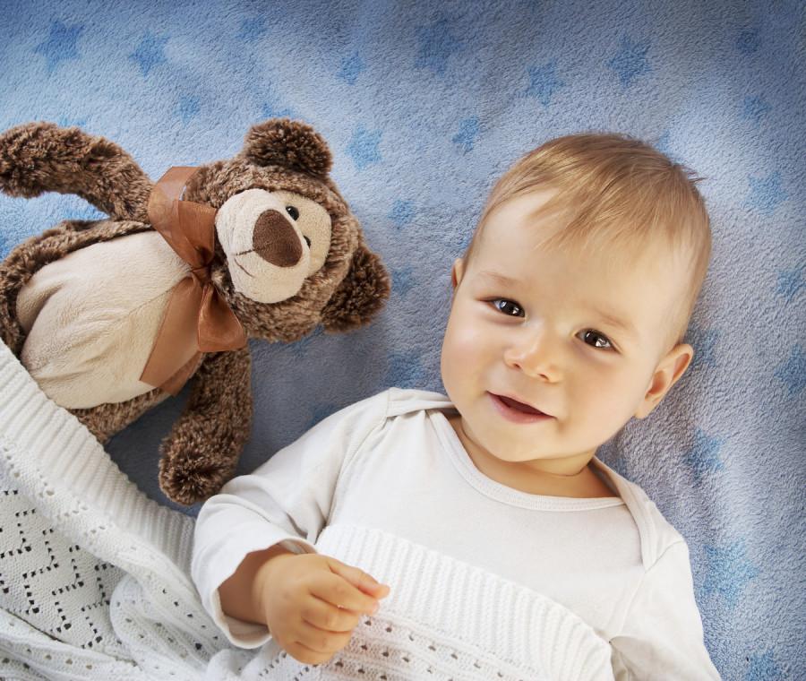 bambino-con-orsacchiotto