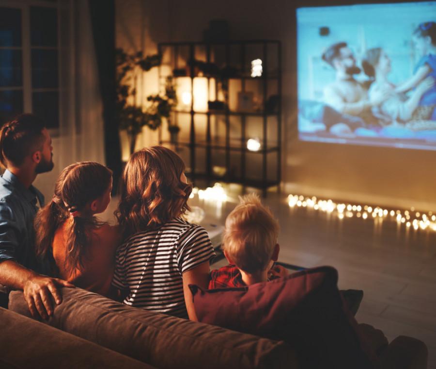 come-organizzare-una-serata-cinema-in-famiglia