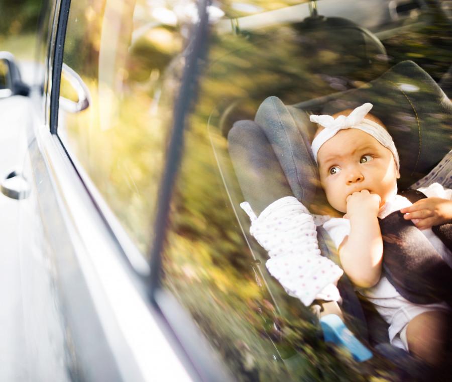 neonato-in-macchina