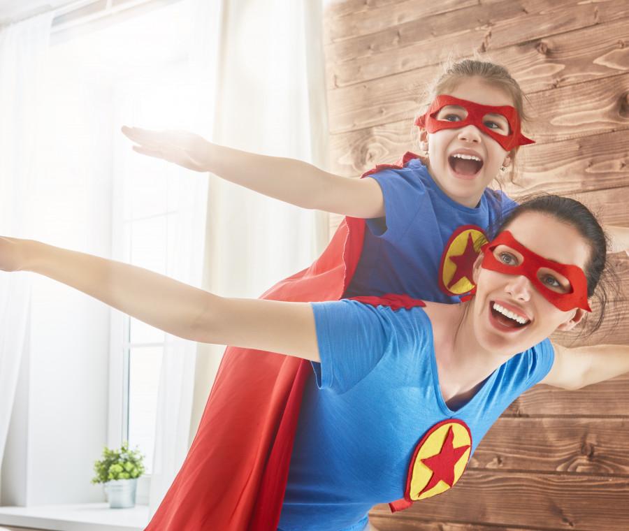 mamma-e-bambina-superwoman