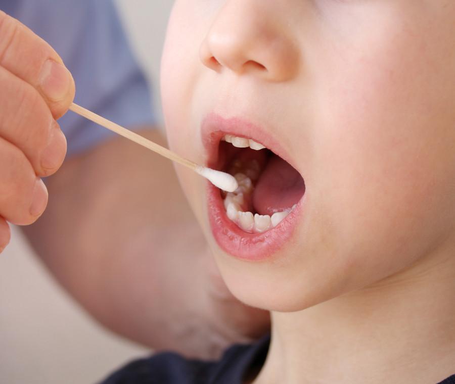 test-salivare-covid--19-per-i-bambini