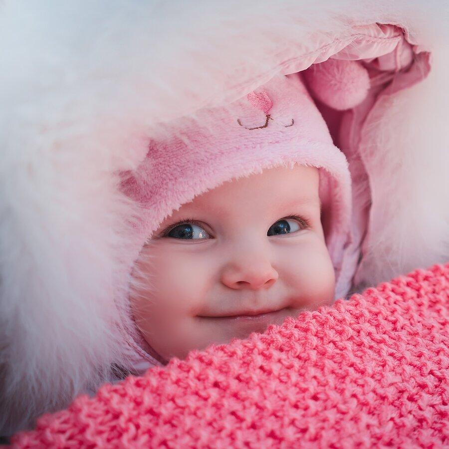 bambina-piccola-in-inverno