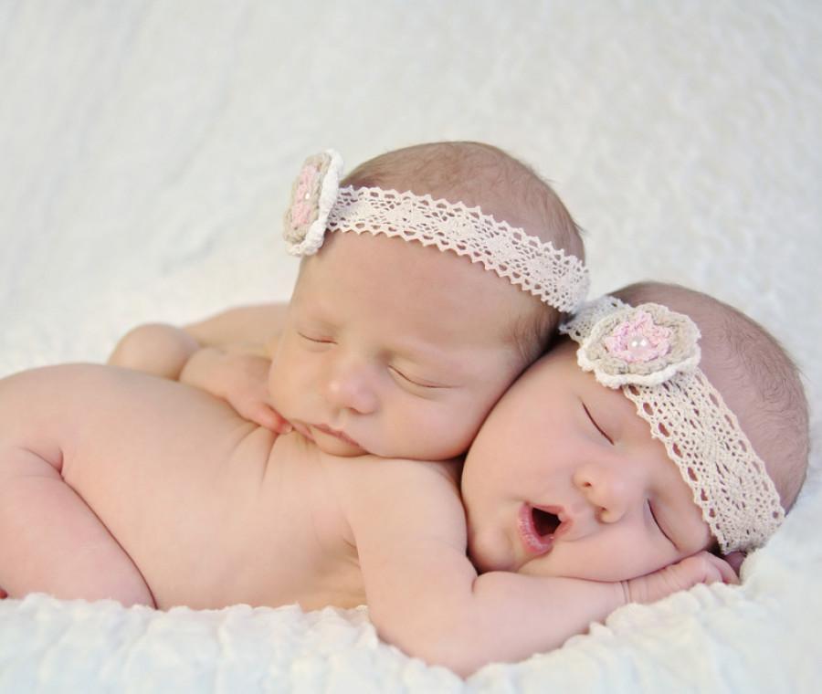 due-sorelle-partoriscono-insieme