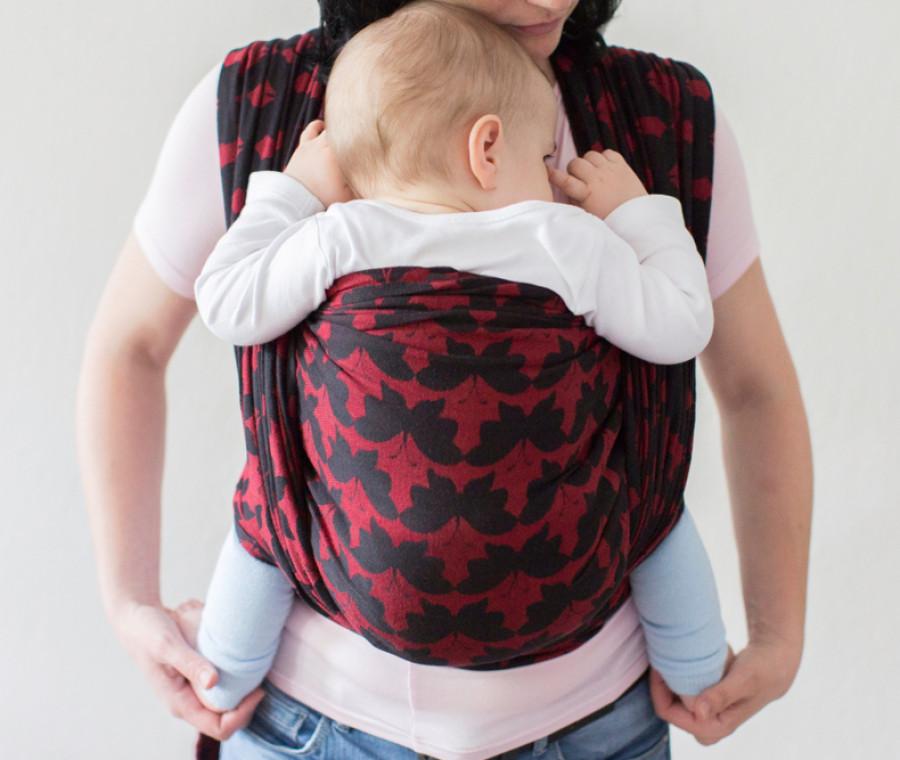 come-vestire-un-neonato-nel-marsupio