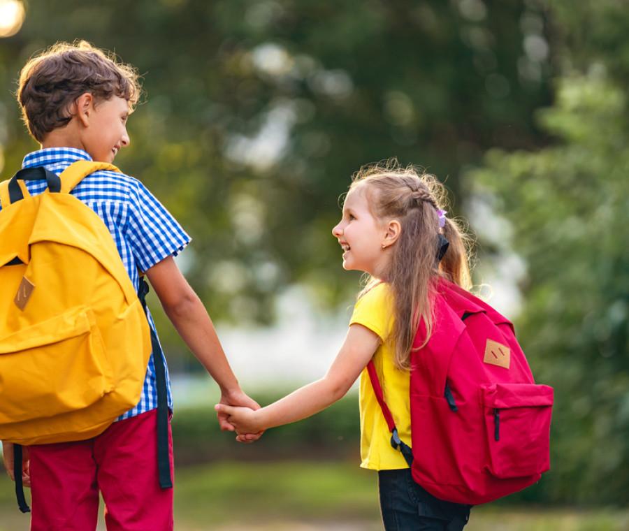 come-vestire-i-bambini-per-la-scuola