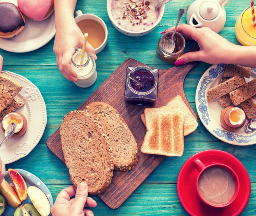 colazione-famiglia