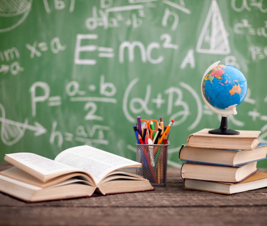 raccolta-di-materiale-scolastico