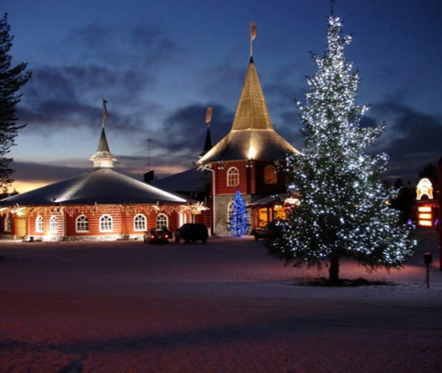 Mostragli la casa di Babbo Natale