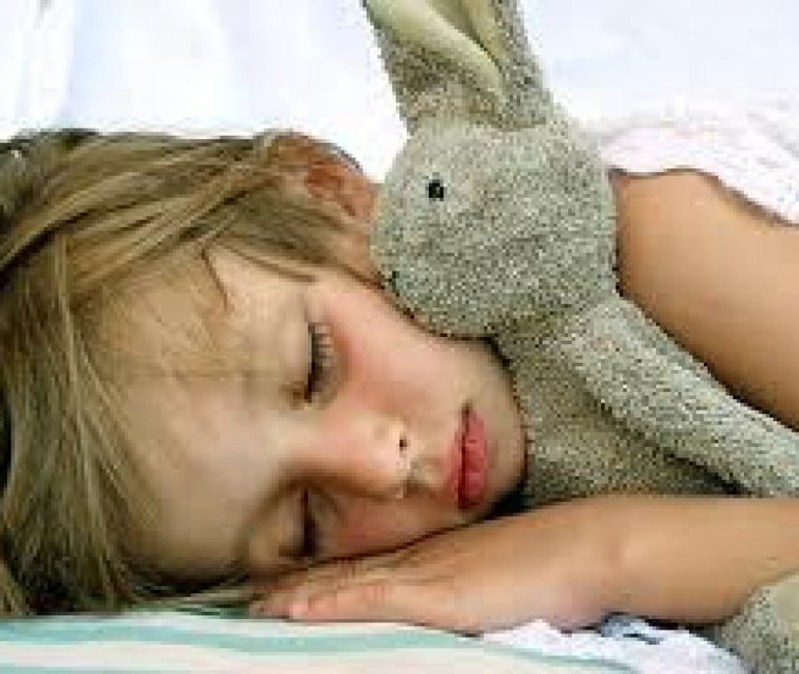 bimbi-dormono-19