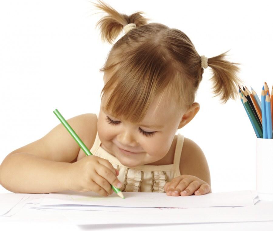 bambina-disegno