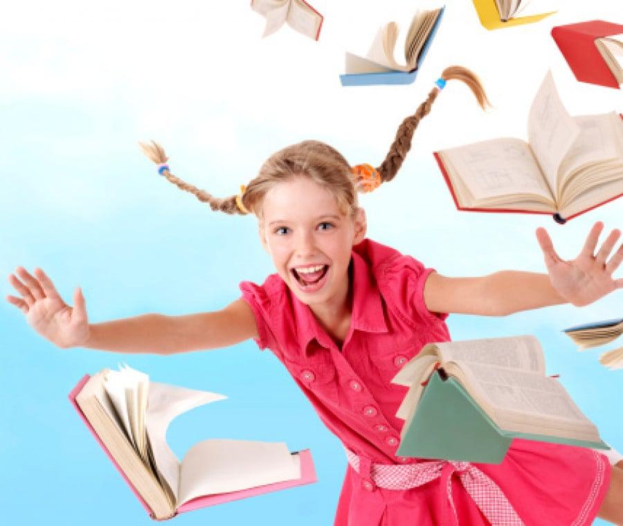 bambina-e-libri