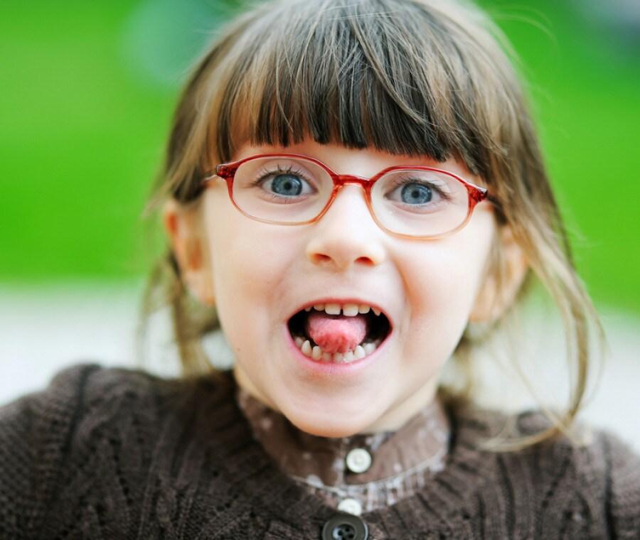 bambina-occhiali_1