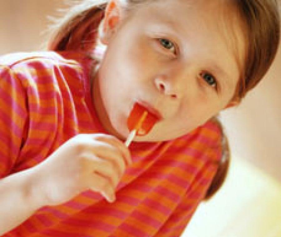 bambini-mangiano-dolci-01
