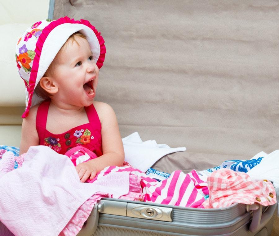 bambini-viaggi-sicurezza-vacanze-valigia